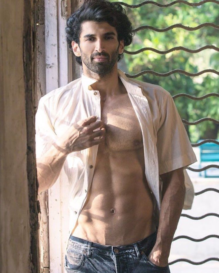 Aditya Roy Kapur Birthday Special: These Shirtless Pictures Of The Birthday  Boy Will Instantly Make You Drool Over His Abs