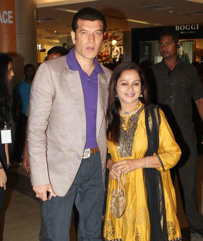 aditya pancholi with zarina wahab