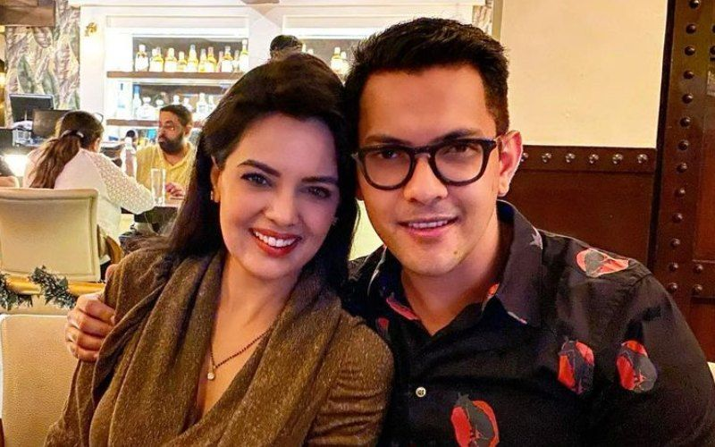 Aditya Narayan Admits To Never Living With Wife Shweta Agarwal During The 10 Years Of Their Dating; Only Had A Few 'Sleepovers And Trips'