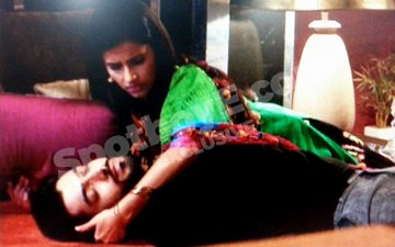 Kasam's new heroine Shivani gets anxiety attack before romantic scene with Ssharad Malhotra
