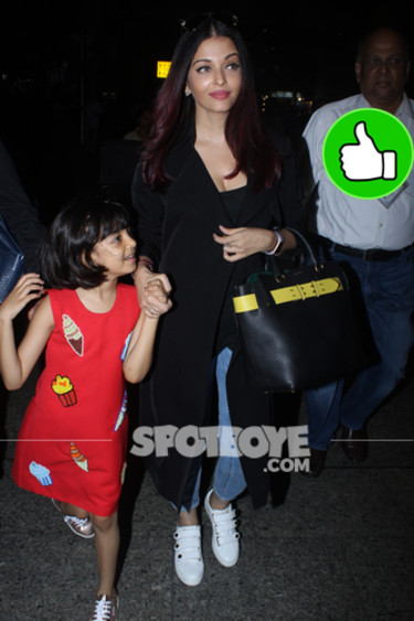 aishwarya rai with daughter aaradhya at the airport