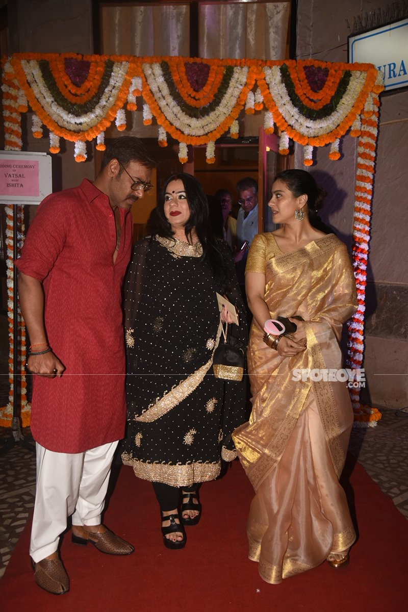 ajay devgn and kajol at vatsal seth and ishita dutta wedding ceremony at iskon temple