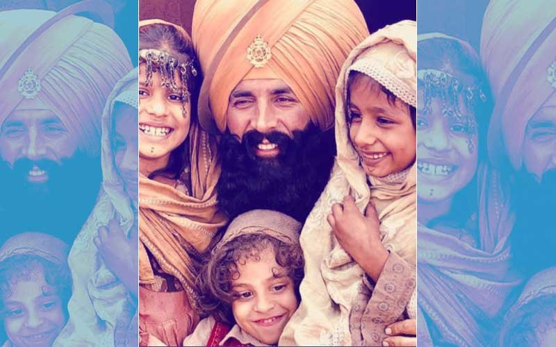 Akshay Kumar Is Doting Over These Innocent Smiles On-The-Sets Of Kesari