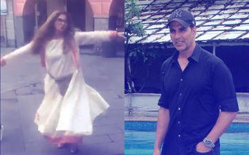आखिर क्यों बीच सड़क पर डांस करने लगी डिंपल कपाड़िया, अक्षय कुमार ने वीडियो बनाकर किया शेयर
