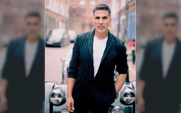 Akshay Kumar Fulfills Mom's Wish On Her Birthday; Takes Her To Her 'Favourite Place' – VIDEO