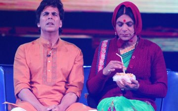 7 Pictures From Akshay Kumar & Sunil Grover's 'Super Night With Pad Man' That Will Crack You Up!