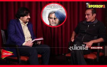 अक्षय खन्ना के साथ एक्सक्लूसिव बातचीत:  संजय बारू, मनमोहन सिंह और पॉलिटिक्स के बारें में