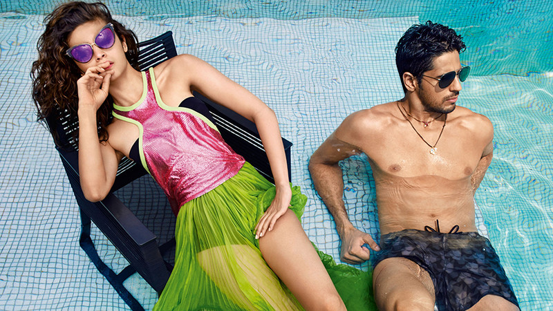 alia bhatt and sidharth malhotra poses for a photo shoot