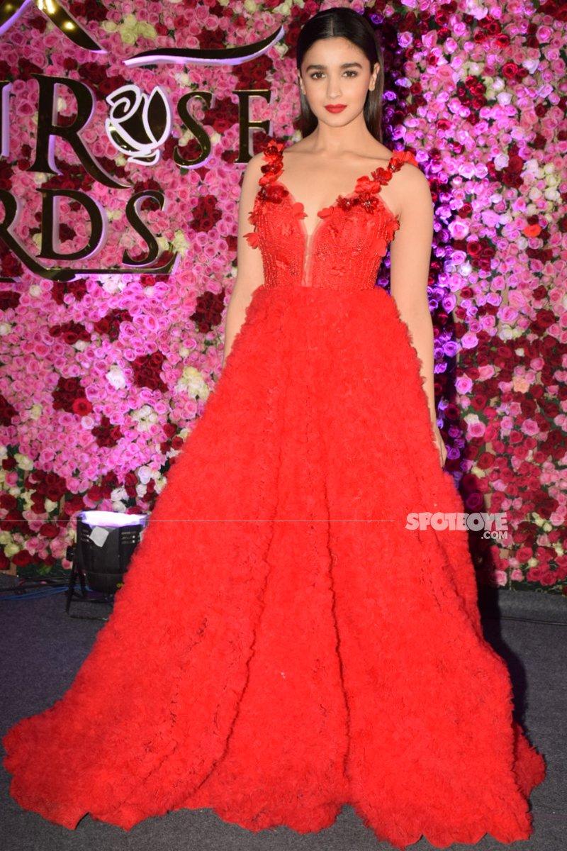 alia bhatt at lux golden rose awards