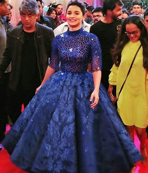alia bhatt at zee cine awards