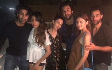 Alia Bhatt Parties With Boyfriend Ranbir Kapoor And His Cousins- Karisma, Armaan And Adar Jain