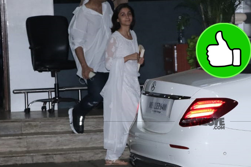 alia bhatt snapped at mumbai airport