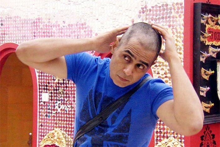 aman varma goes bald on bigg boss season 9