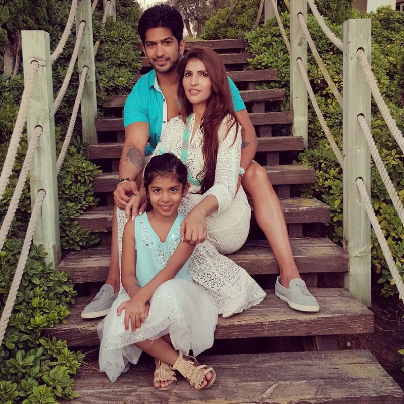 amit tandon with wife ruby and daughter jiyana