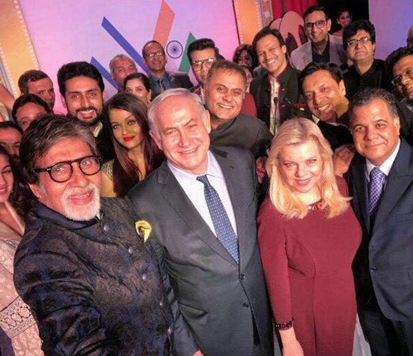 amitabh abhishek and aishwarya bachchan in a selfie along with vivek oberoi