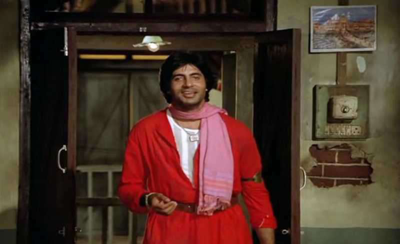 amitabh bachchan in coolie