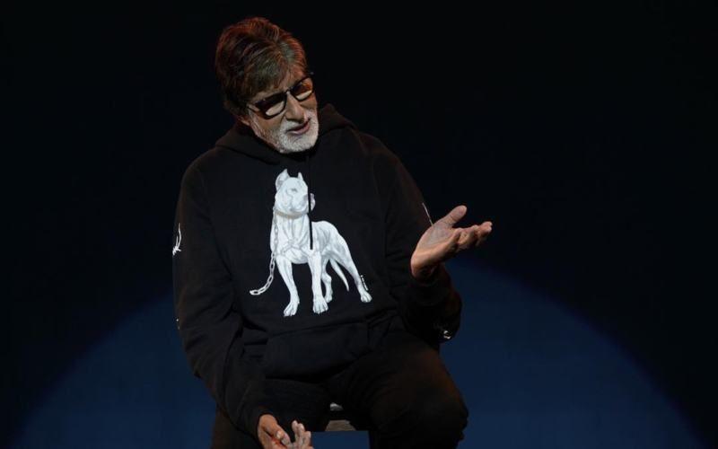 महानायक अमिताभ बच्चन ने शेयर की बेहद ही खास तस्वीर, लिखा- एक ही फ्रेम में तीन पीढ़ी