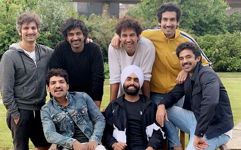 Ammy Virk Chilling Out With His '83' Co-Stars- SEE PICS