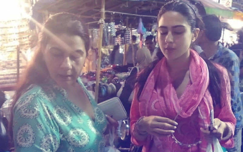 Sara Ali Khan & Amrita Singh Spotted Shopping At Hyderabad's Laad Bazaar