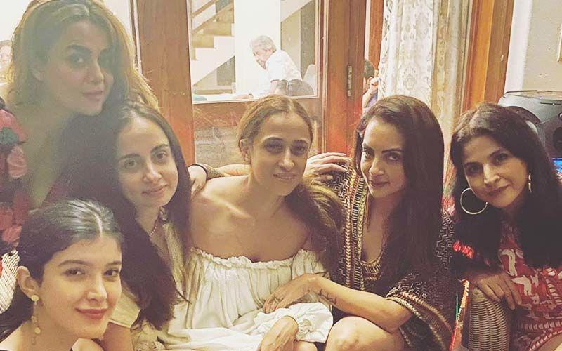 Amrita Arora, Shanaya Kapoor, Seema Khan And Their Girl Gang Enjoy Holidays In Goa; Give A Sneak-Peek Into 'Goa Nites'