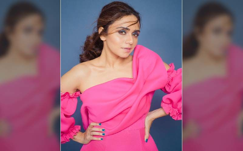 Amruta Khanvilkar In A Glam-Doll Avatar With This Candy Floss Look In Her Photoshoot