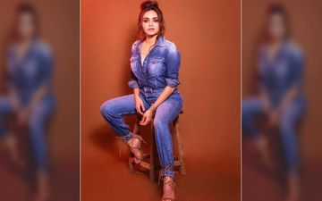 Amruta Khanvilkar's Deep Neck In A Hot Denim Jumpsuit Is Raising The Temperatures This Season