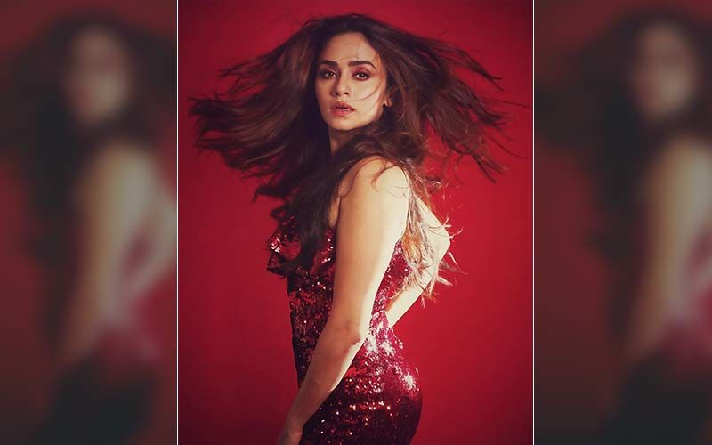 Choricha Mamla: Amruta Khanvilkar Falls Asleep On Sets And This Is What The Director Did To Wake Her Up