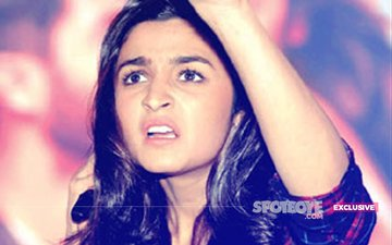 Did Alia Bhatt Have An Angry Encounter With Fans At The Gym?
