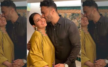 Preggers Anita Hassanandani Feels Her Baby Kick As Hubby Rohit Reddy Plants A Kiss On Her Cheek; Actress Calls It An 'Unreal Experience'