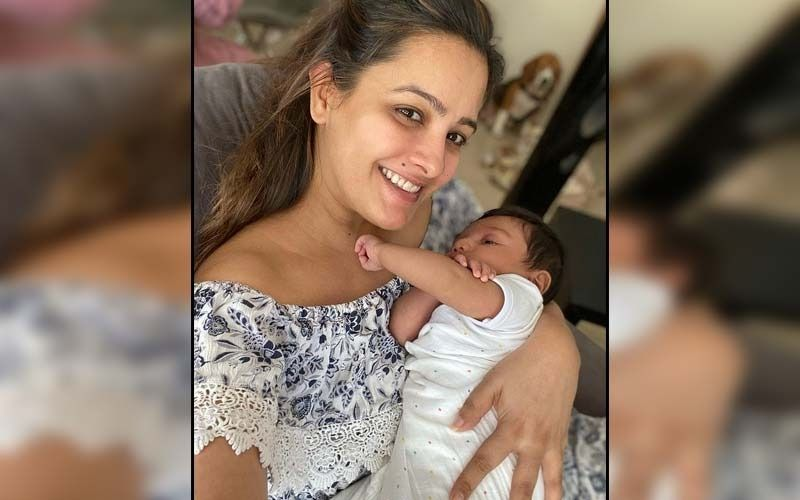 Anita Hassanandani Beams With Joy As She Poses For A Selfie With Her 'Sons'; Actress Gushes Over Her 'Oh So Perfect Life'
