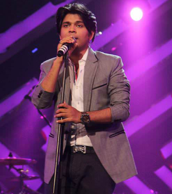 ankit tiwari singing for his fans