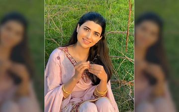 Nimrat Khaira Slays In An Off Pink Punjabi Suit, Says 'Kurti Meri Chit Di, Dupatta Mera Lehreia'