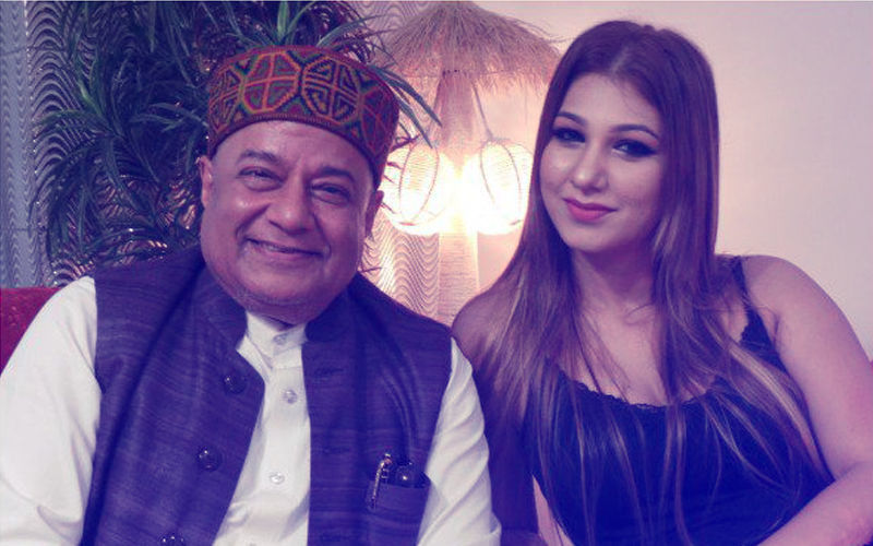 Bigg Boss 12: Anup Jalota And Jasleen Matharu's Romantic Date In The Khaas Room
