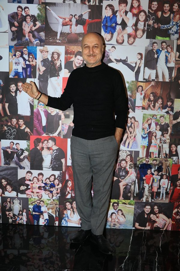 anupam kher at dabboo ratnanis calender launch