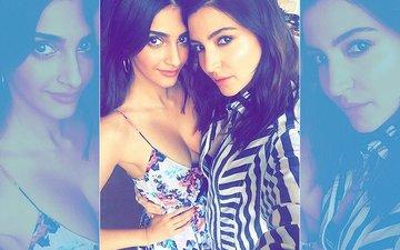 Sonam Kapoor & Anushka Sharma Pose For A Sexy Selfie In New York