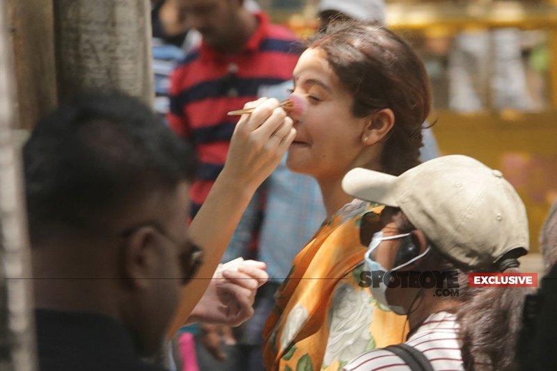 anushka sharma gets ready for sui dhaga