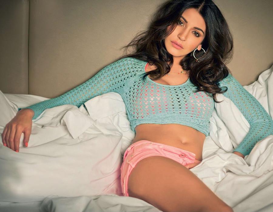 anushka sharma posing for a photoshoot