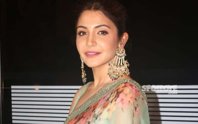 Anushka Sharma Makes An Appeal To Everyone To Unite And Support The Country In Hour Of Crisis; 'Virat Kohli And I Are Coming Together To Do Our Bit'-WATCH Video