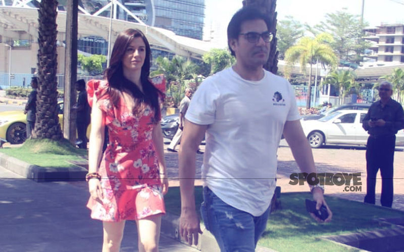 Arbaaz Khan & Girlfriend Georgia Andriani Have Lunch With The Khan-daan