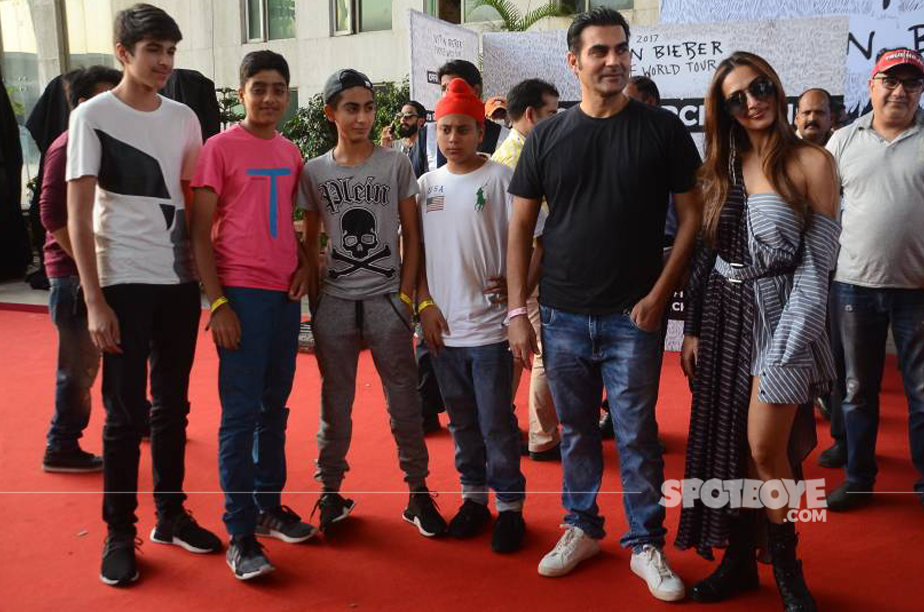 arbaaz khan malaika arora with kids and their friends