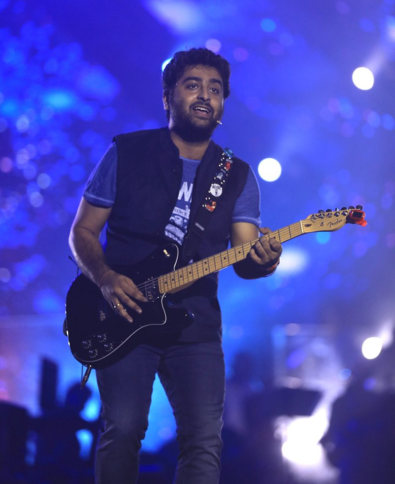 arijit singh performing at mpower presents genm music concert mumbai