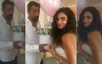 जल्द ही मां बनने जा रही हैं अर्जुन रामपाल की गर्लफ्रेंड, गैब्रिएला के माता-पिता पहुंचे मुंबई