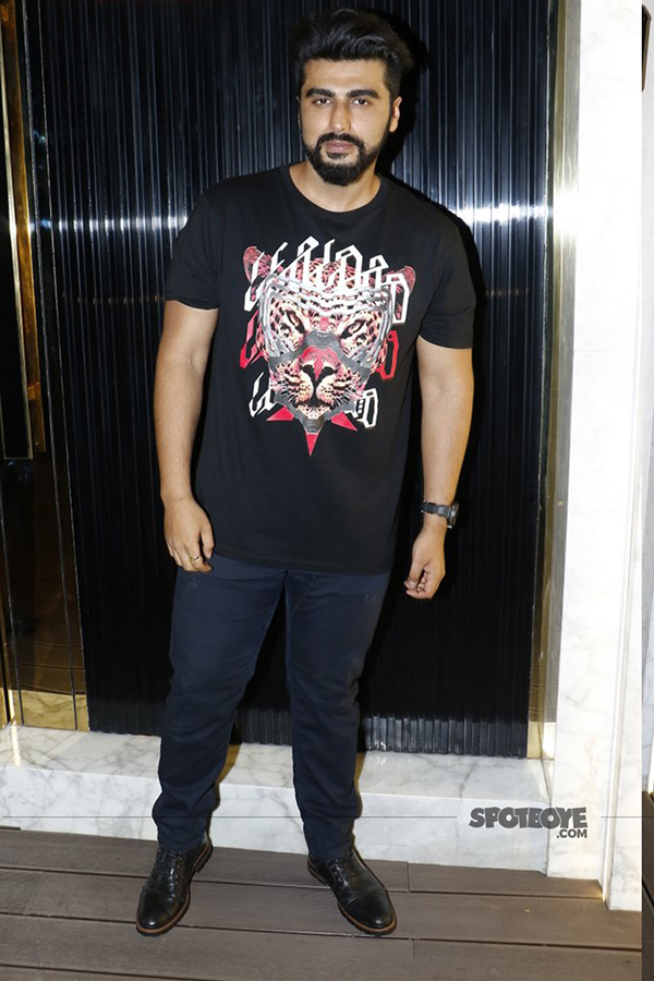 arjun kapoor at arth lounge opening bash