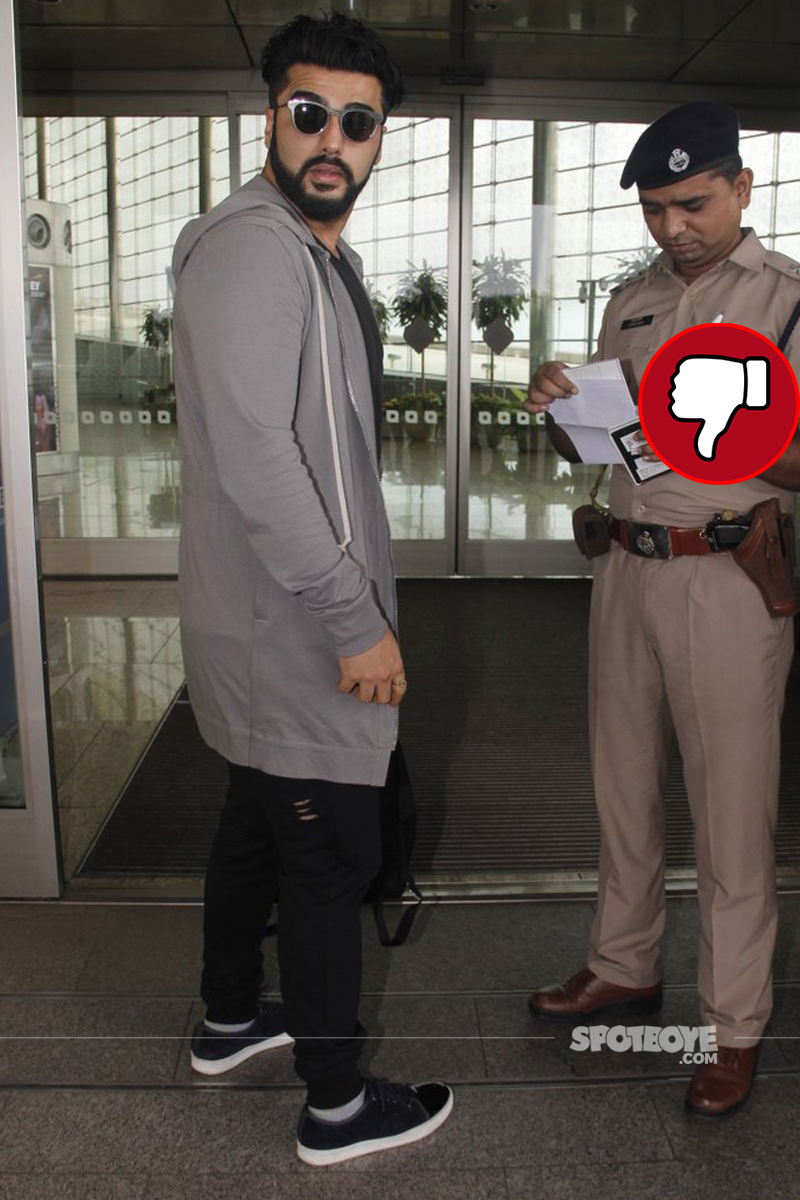 arjun kapoor at mumbai airport