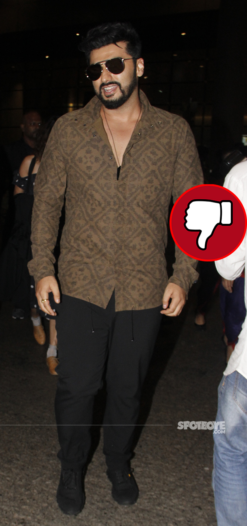 arjun kapoor at the airport