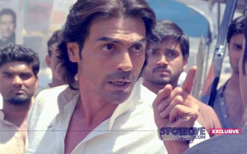 Arjun Rampal's Late Night Drama: Snubs Fans Asking For Selfies