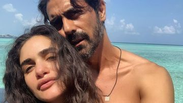 Arjun Rampal And Gabriella Demetriades Share Their Concern Over Severe Delhi Pollution; Former Feels It's 'Unbreathable'