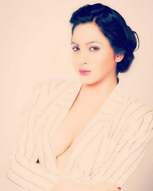 arshi khan in a bold avatar