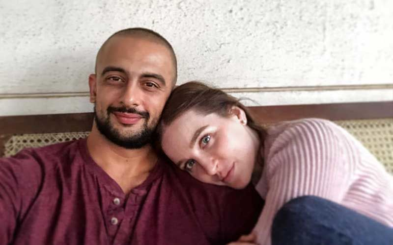 "Arunoday Singh's Marriage With Lee Elton Over; Couple Had ""Fundamental Differences"""