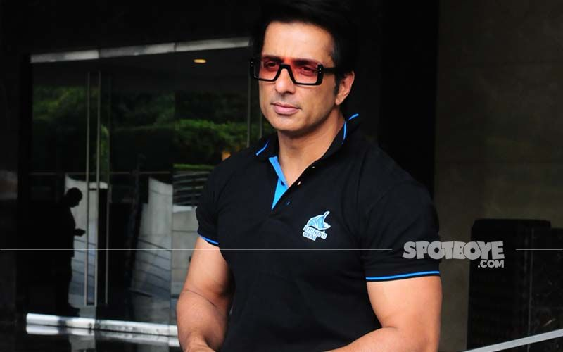 Sonu Sood Aims To Help Two Crore Migrants Find Jobs? Cartoon About Politicians Simply Wanting Their Jobs Back Goes Viral
